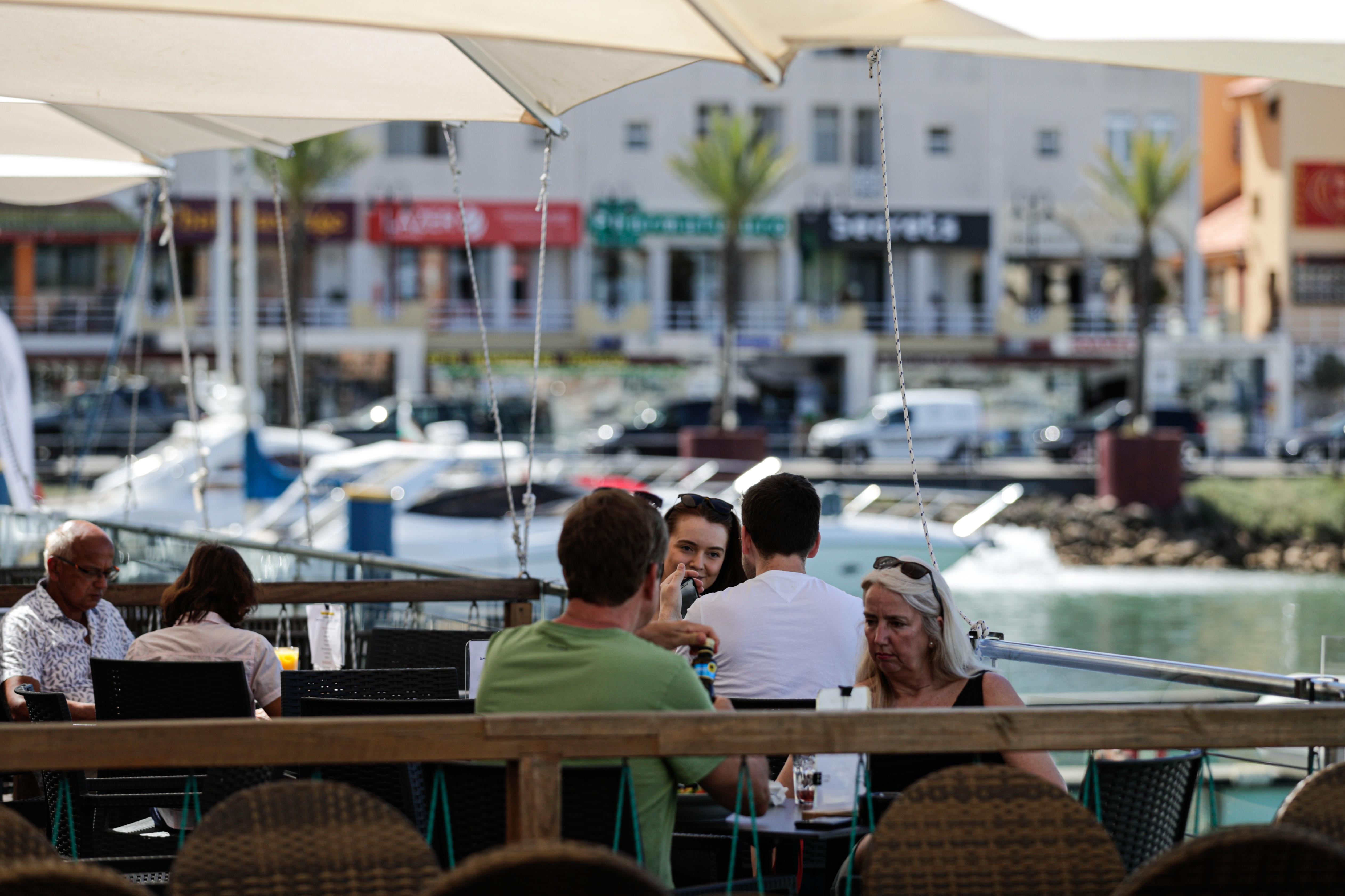 Quase 50% dos portugueses vão fazer férias em Portugal