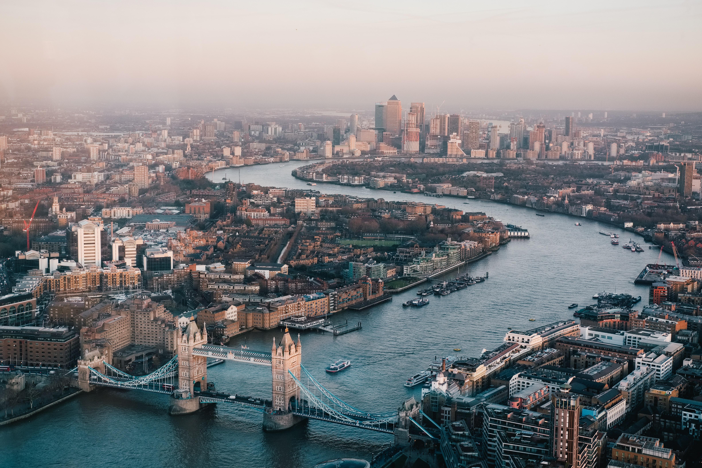 Comprar casa no Reino Unido / Photo by Benjamin Davies on Unsplash