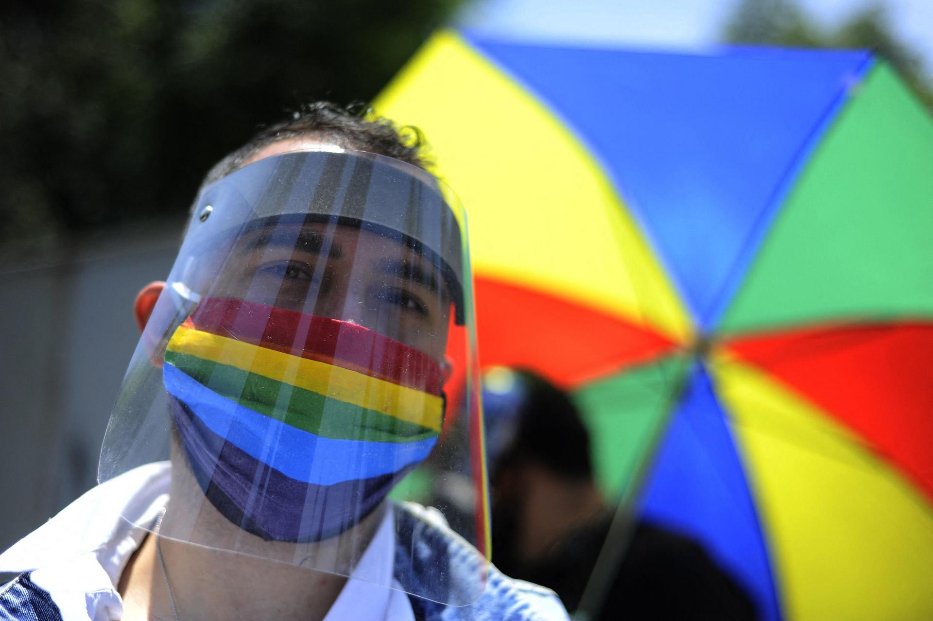 Alemanha responde à UEFA: ilumina vários edifícios com bandeira LGBTI+