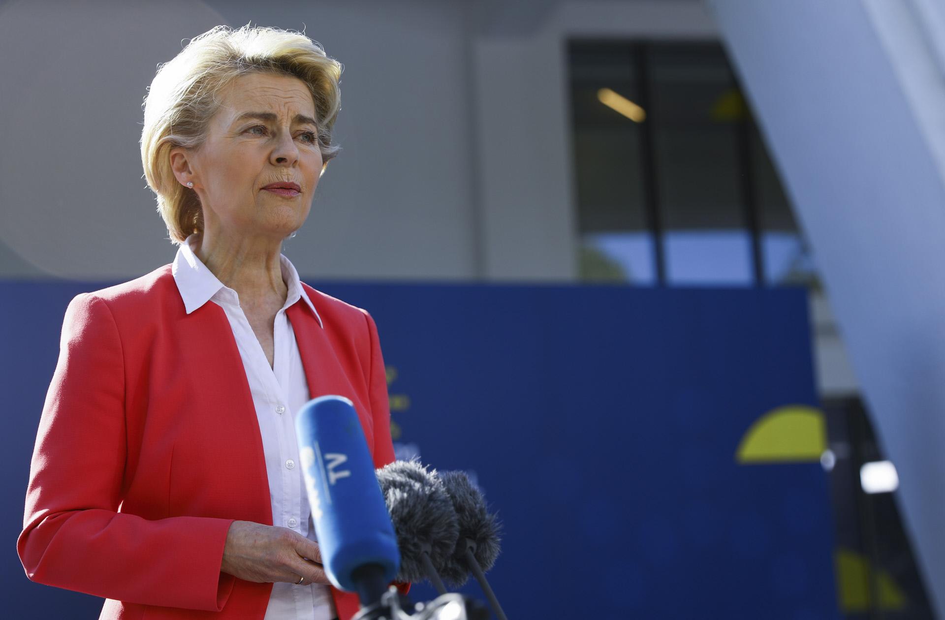 """Von der Leyen diz que lei húngara contra direitos LGBT """"é uma vergonha"""""""