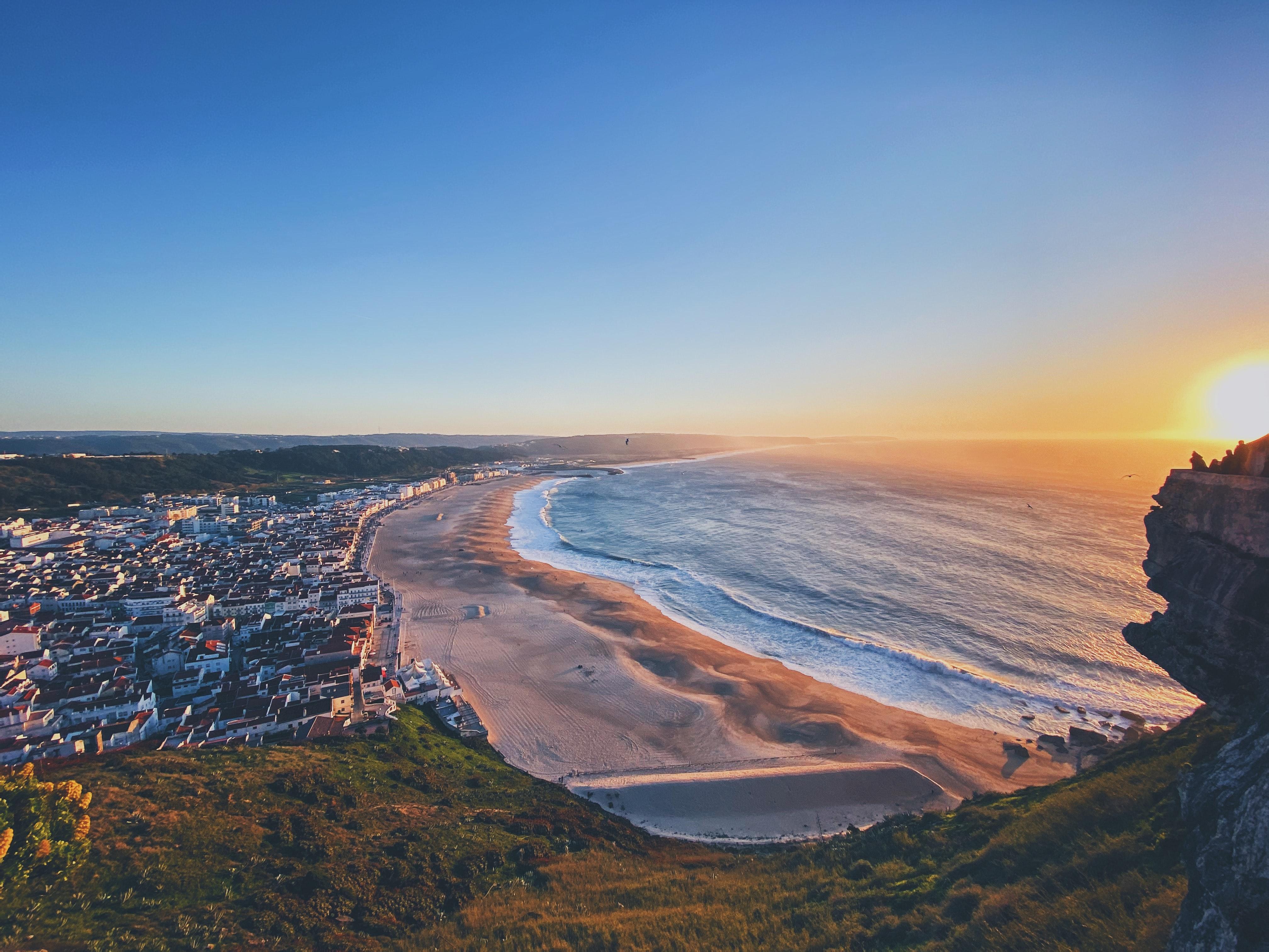 Portugueses preveem gastar 1.339 euros nas férias