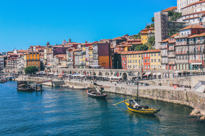 Câmara do Porto vai estudar benefícios de dois fundos imobiliários