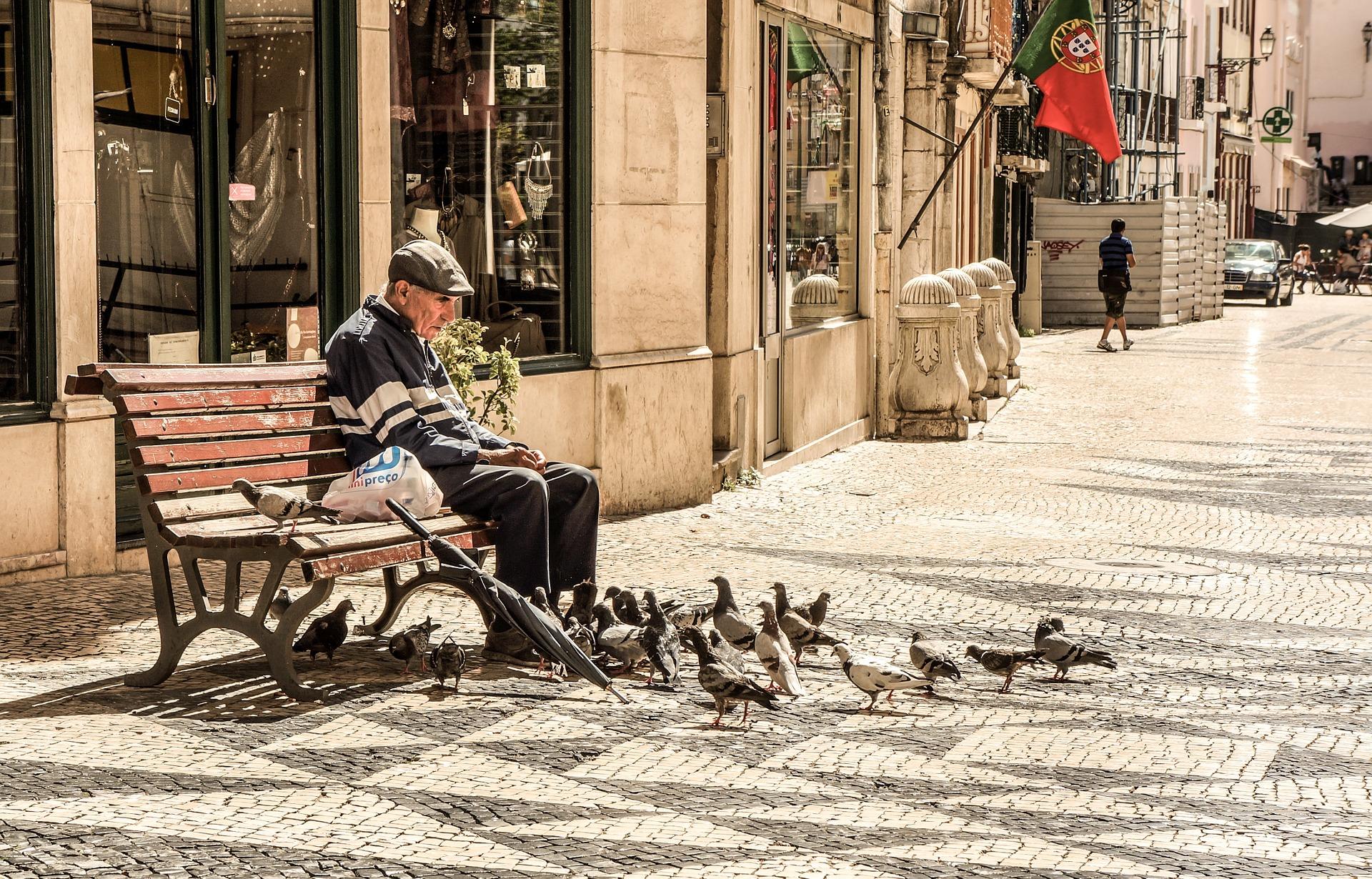 Portugal ficou mais velho, teve menos filhos e cresceu menos em 2020 que em 2019