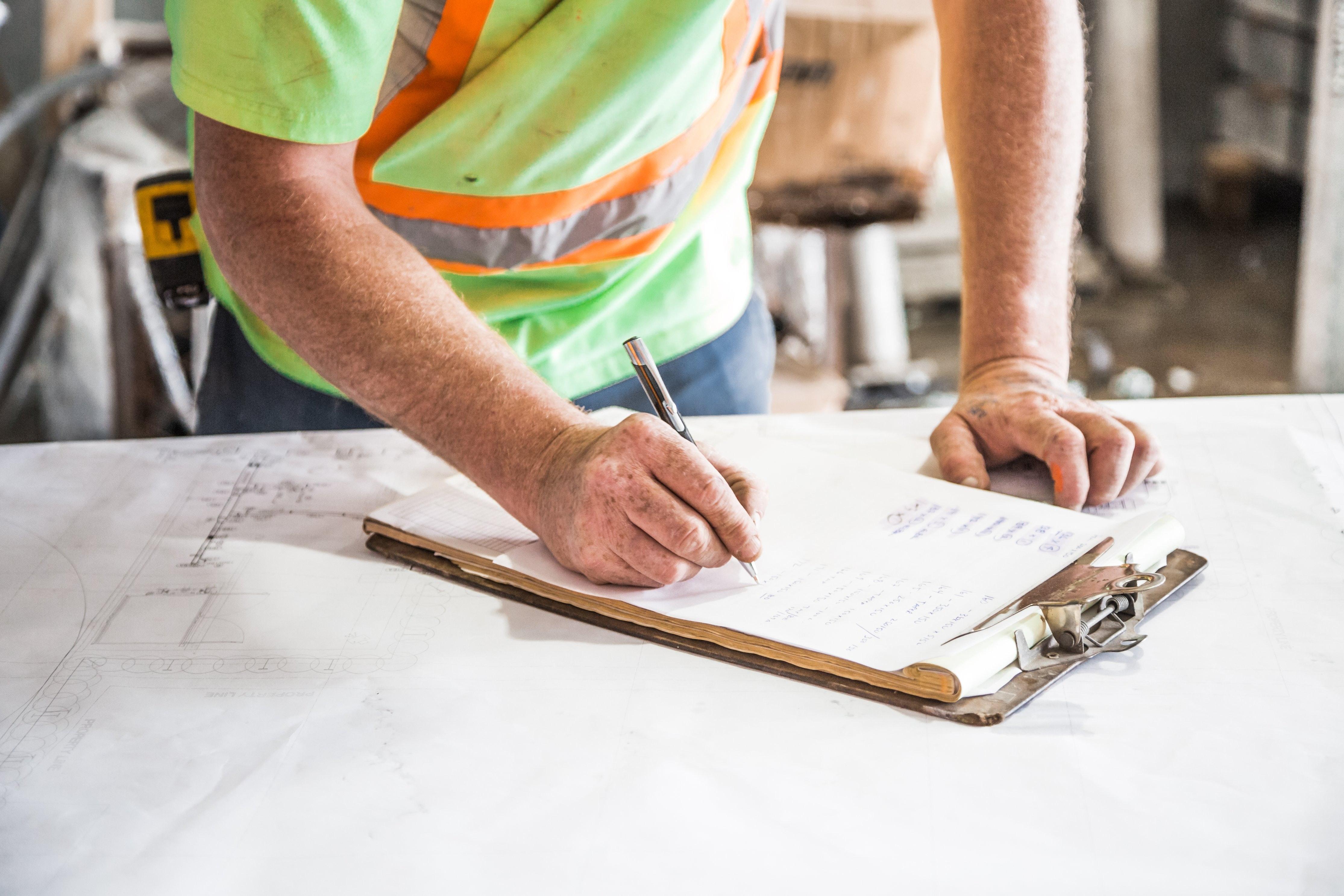 Subida dos custos na construção põe em risco execução do PRR