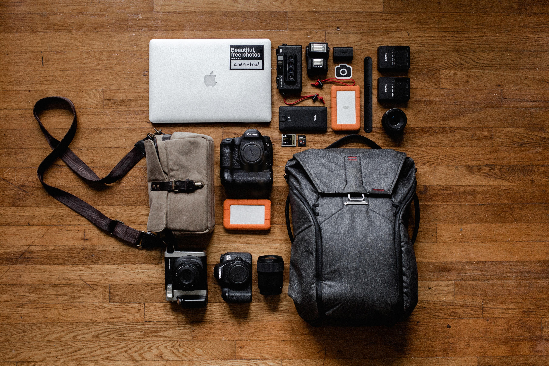 Levar uma mochila para as férias