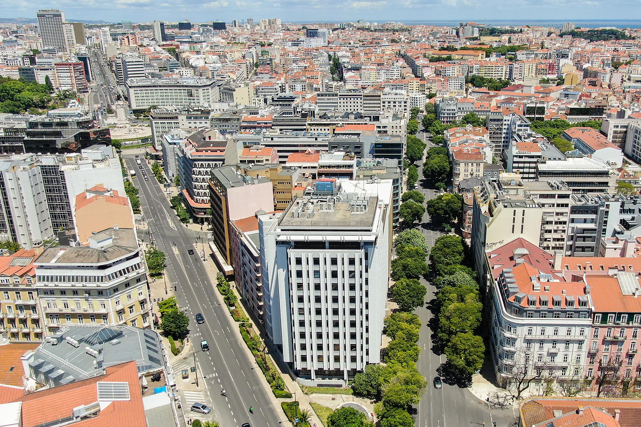 Escritórios em Lisboa: Alexandre Herculano 50 à procura de inquilinos – tem 11.000 m2