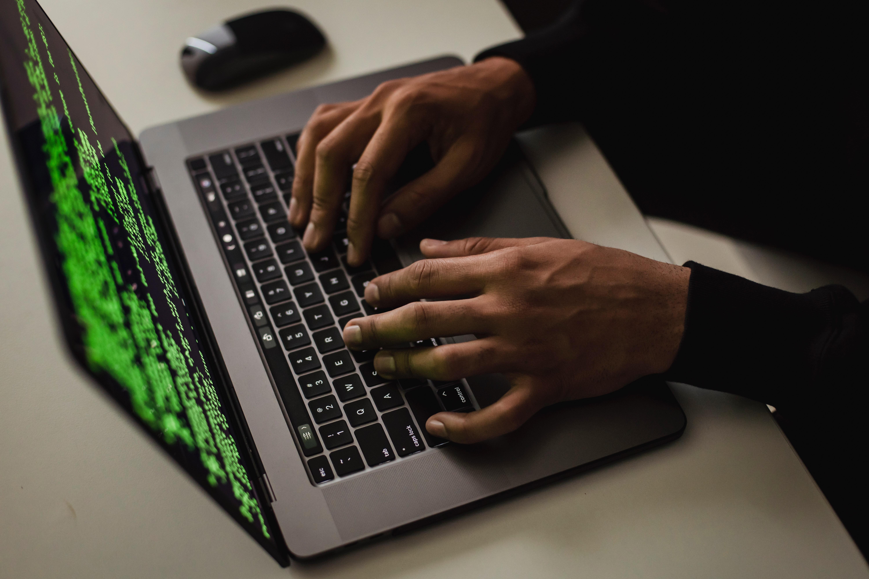 Fraudes online: AT alerta para circulação de mensagem falsa do Portal das Finanças