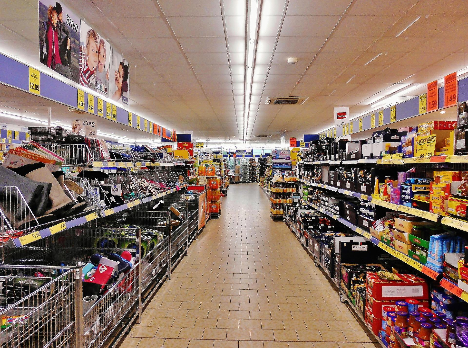 Supermercados atraem investidores