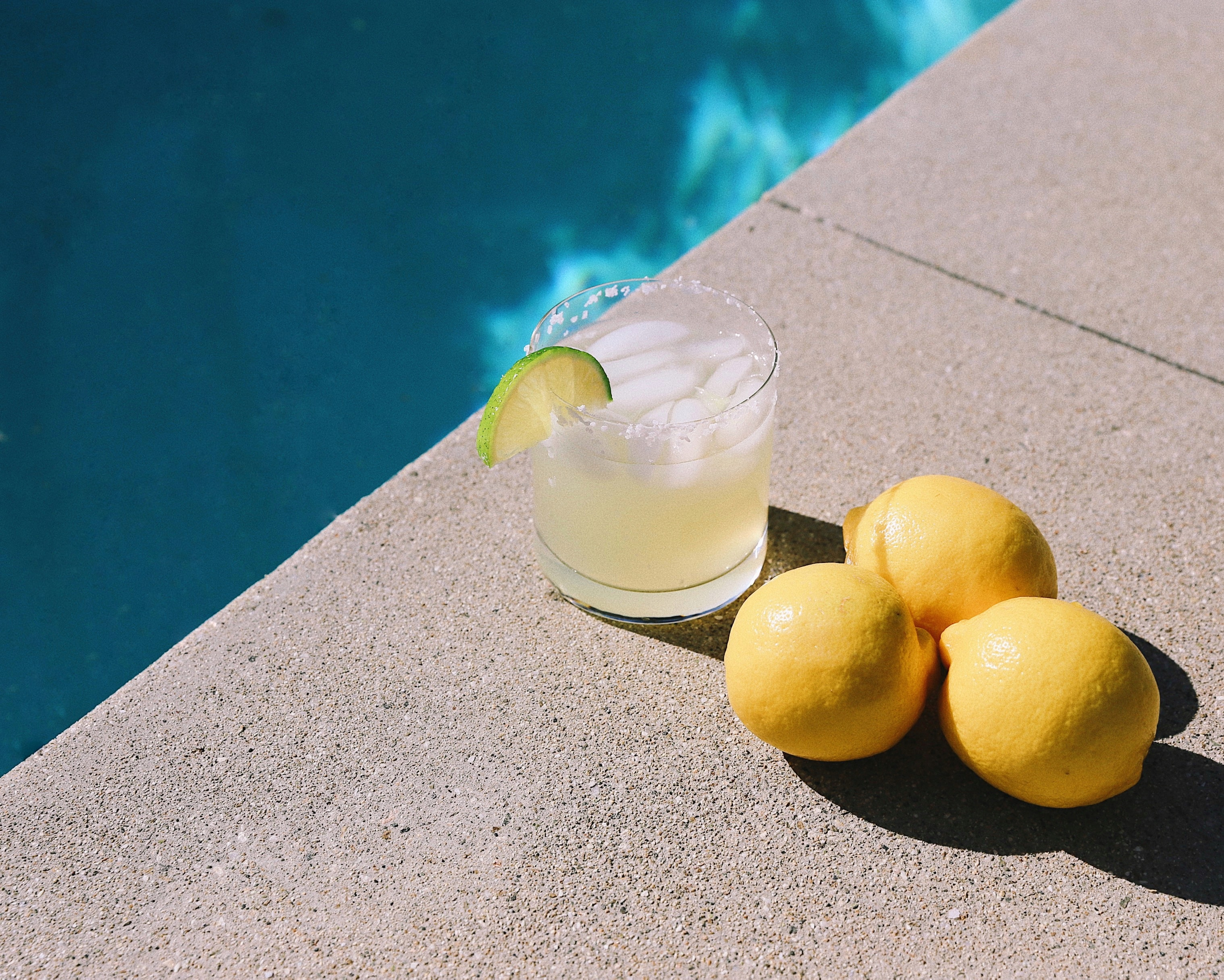 Bebidas para uma festa de verão em casa