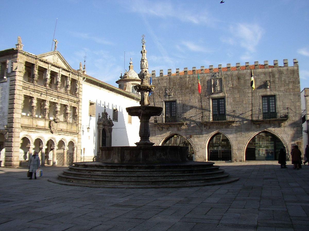 Câmara quer candidatar centro histórico de Viana a Património Mundial.