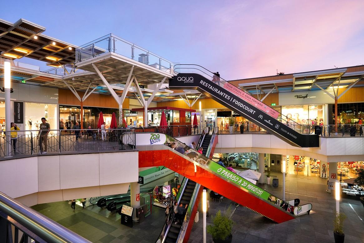 Gestora de três centros comerciais exige 7,8 milhões ao Estado