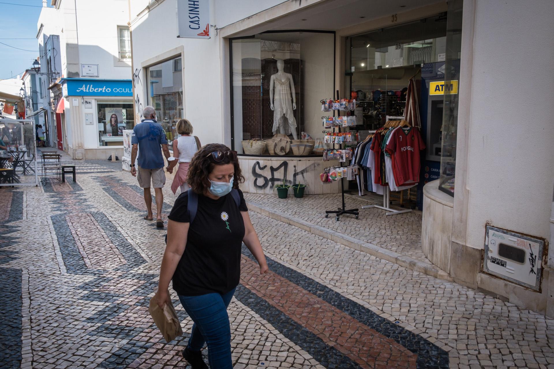 Fim do uso da máscara na rua? Parlamento decide