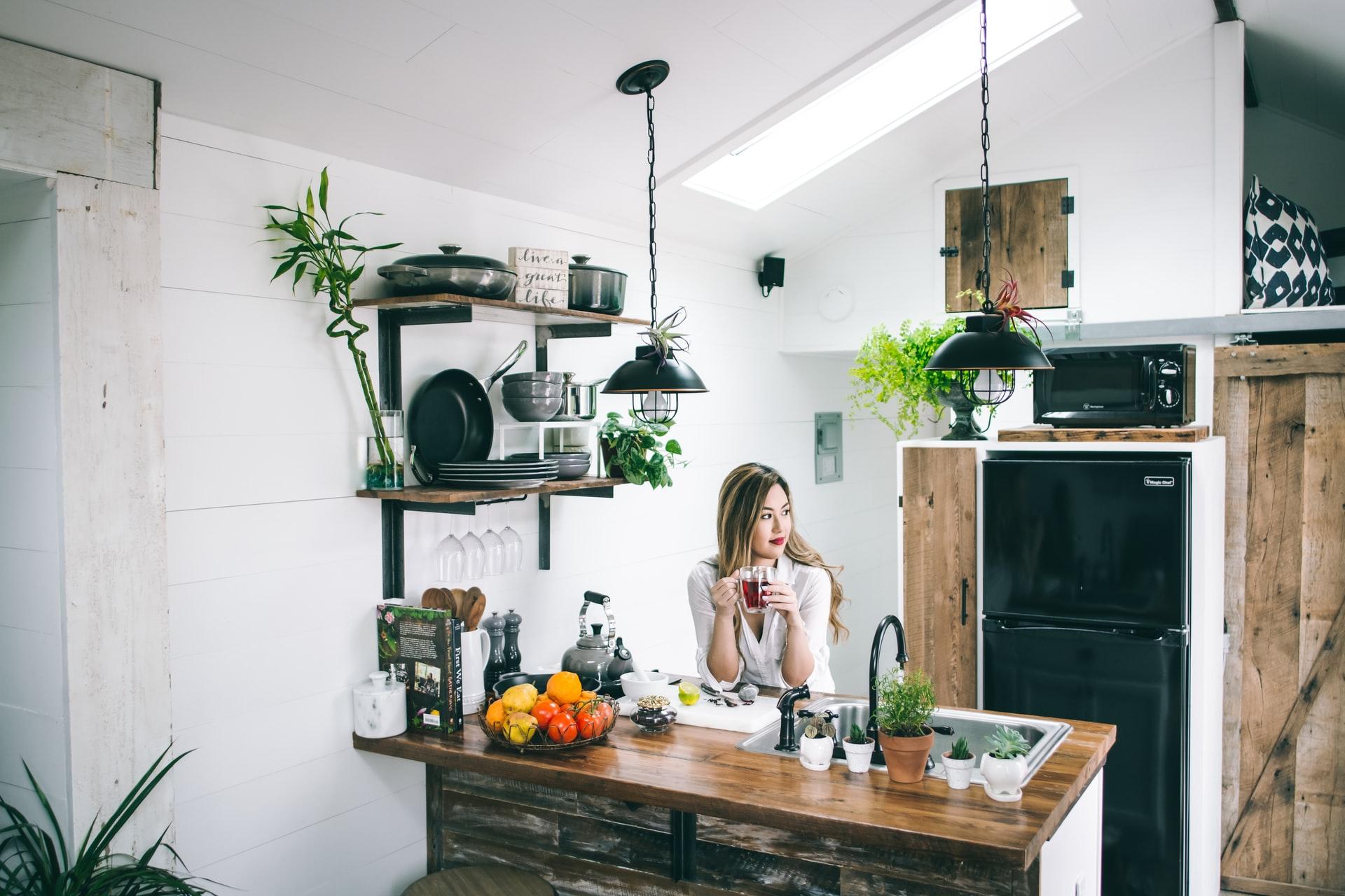Decorar a cozinha com plantas
