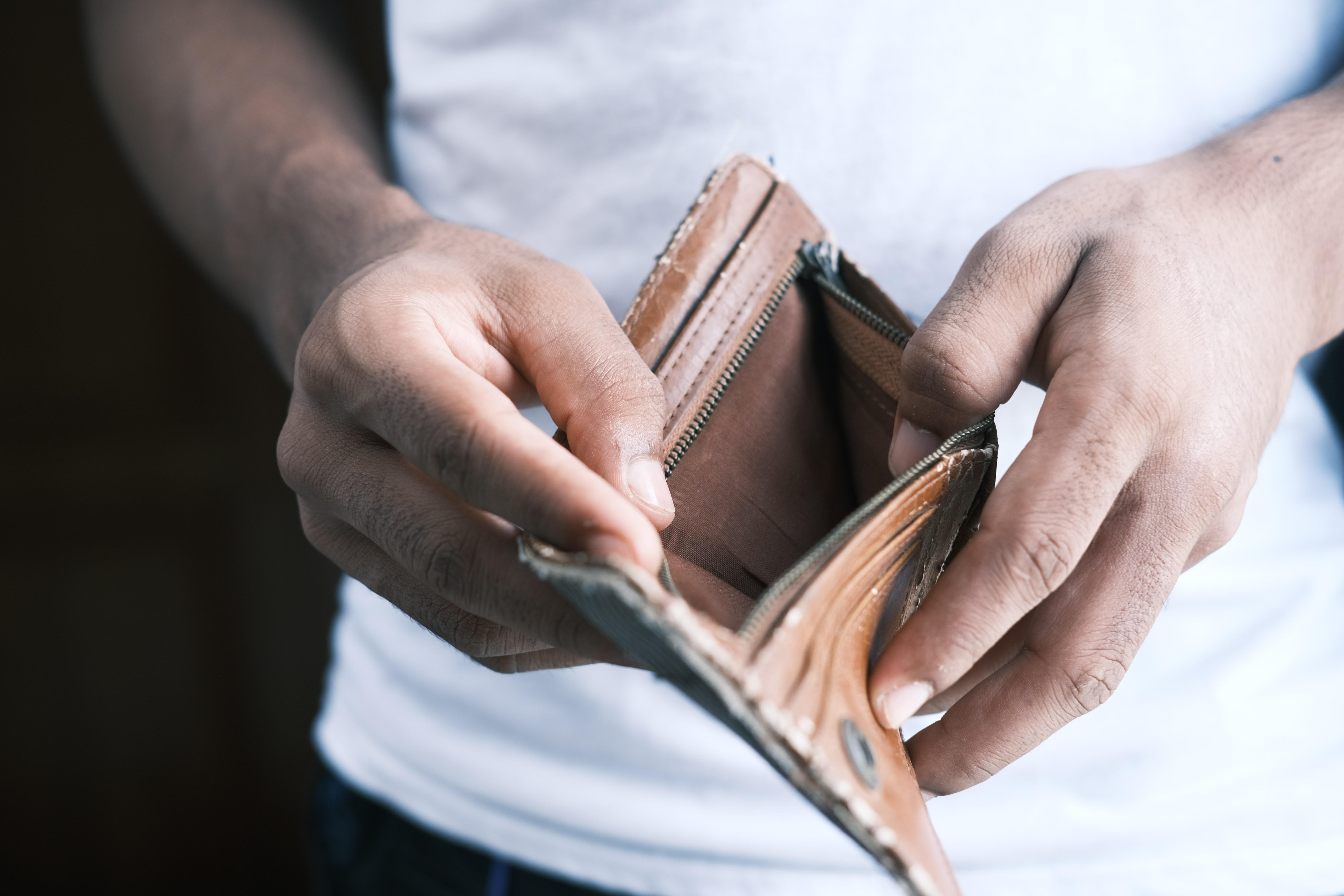 Crédito ao consumo dispara: consumidores endividaram-se em 16,6 milhões por dia