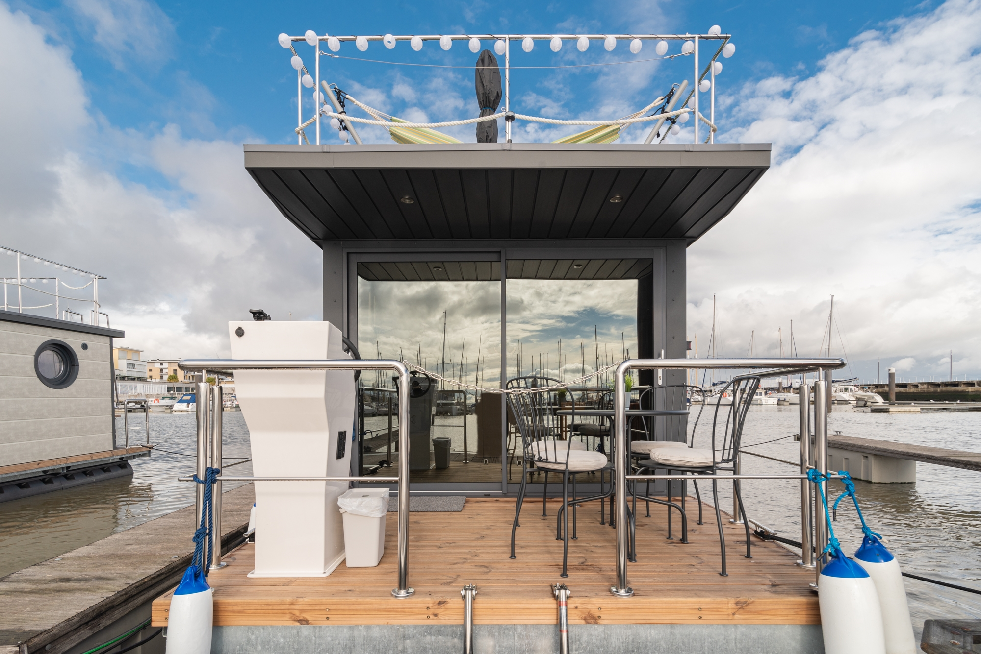 Imobiliária HomeLovers aposta em barcos-casa