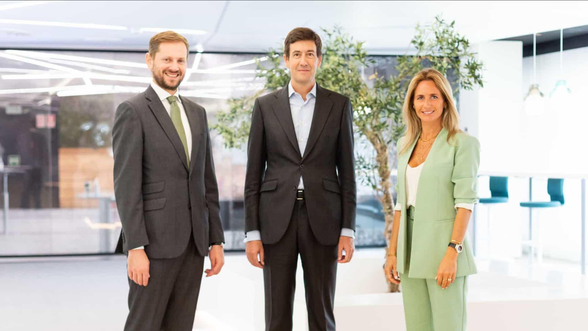 Sergio Fernandes da JLL, Álvaro Cobo da Gordon Brothers e Mariana Rosa da JLL.