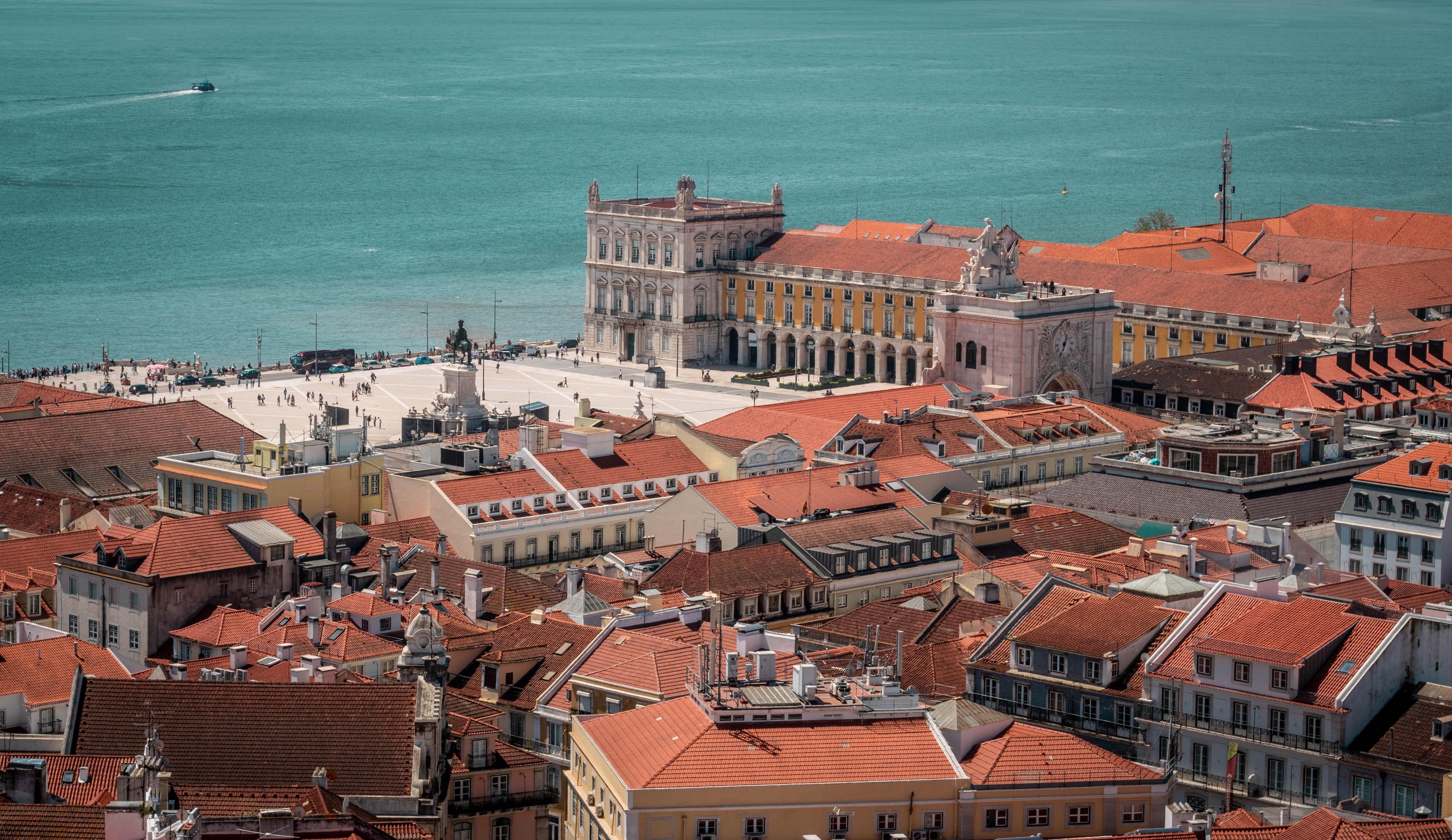 Autárquicas 2021: Moedas vence em Lisboa e Moreira mantém-se no Porto
