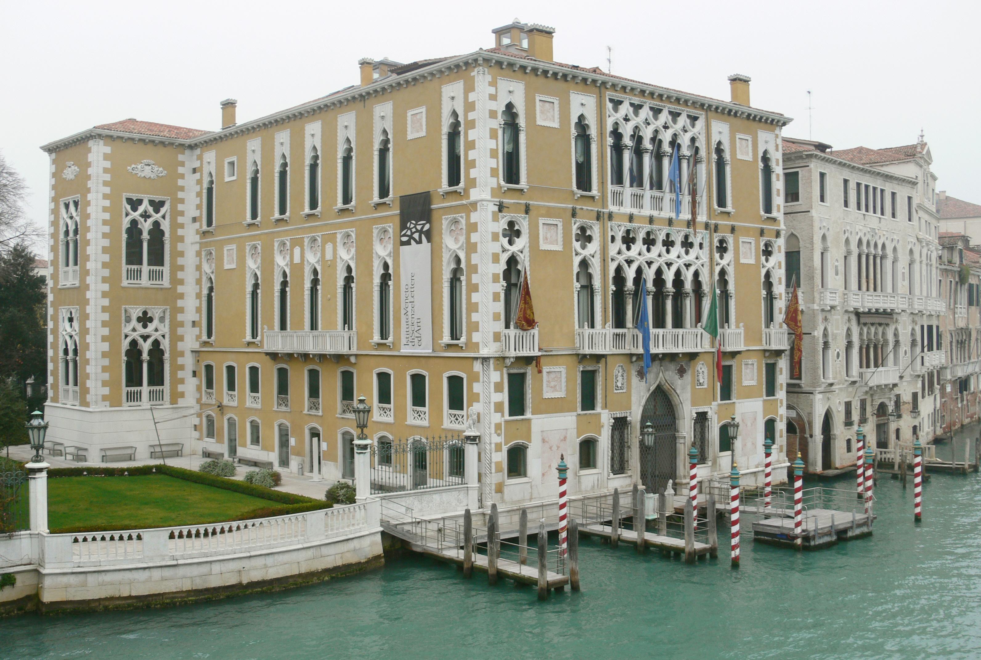PalácioFranchetti, nas margens do Grande Canal de Veneza.  / Wikimedia commons