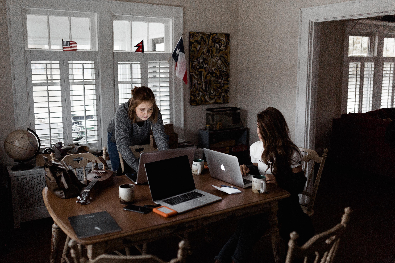 Benefícios fiscais para estudantes deslocados: quais são e como de deduzem no IRS