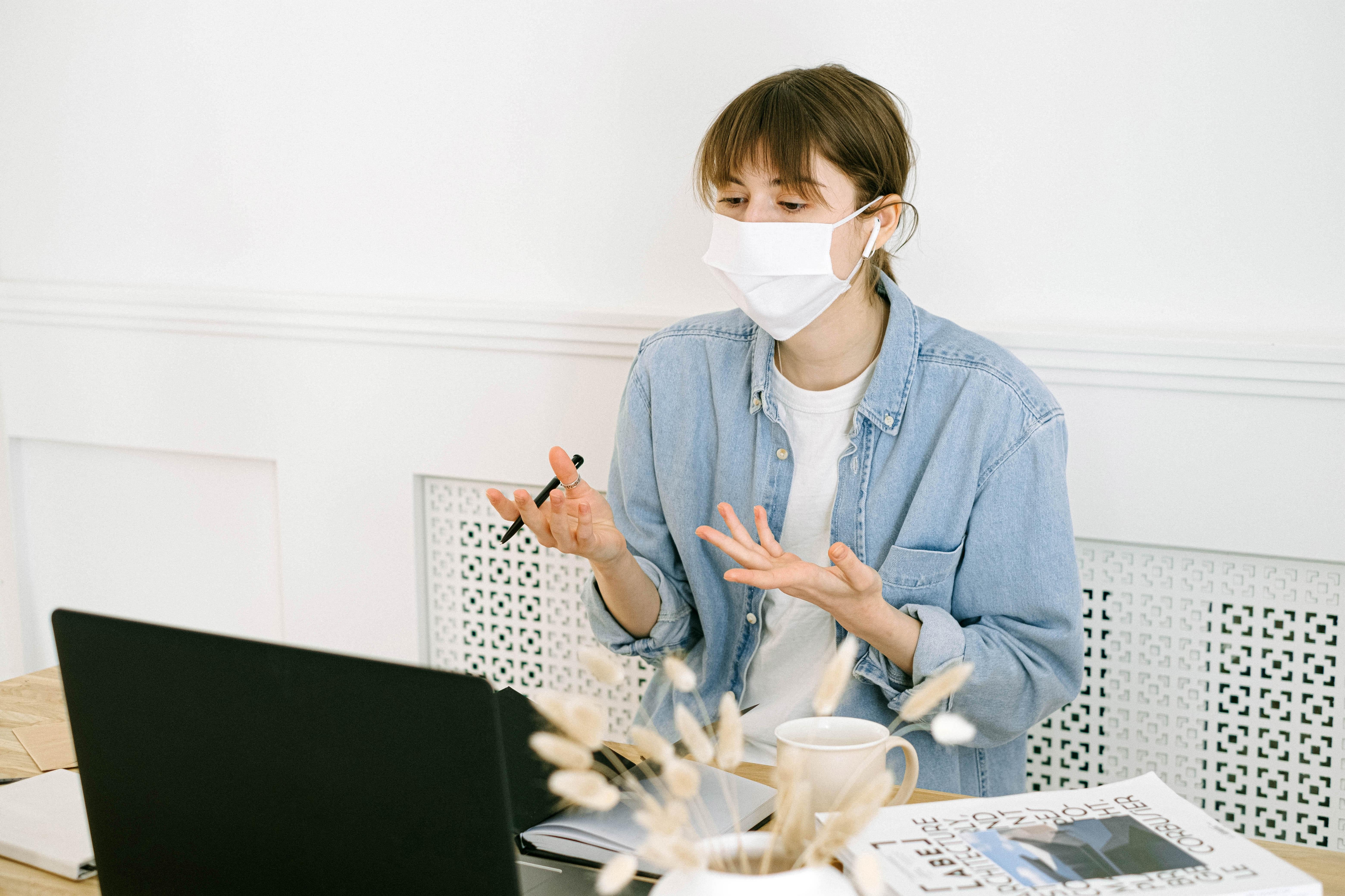 Uso de máscara mantém-se obrigatório em instituições de ensino superior