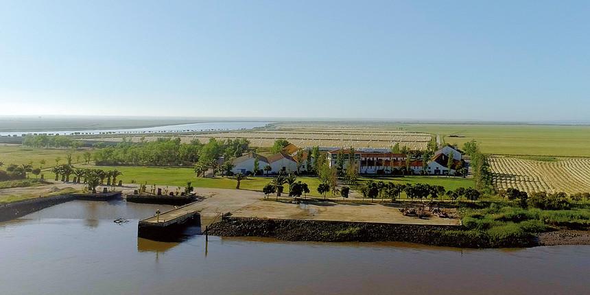 O Mouchão do Lombo do Tejo tem cerca de 900 hectares e situa-se em frente da cidade de Alverca. / Wikimedia commons