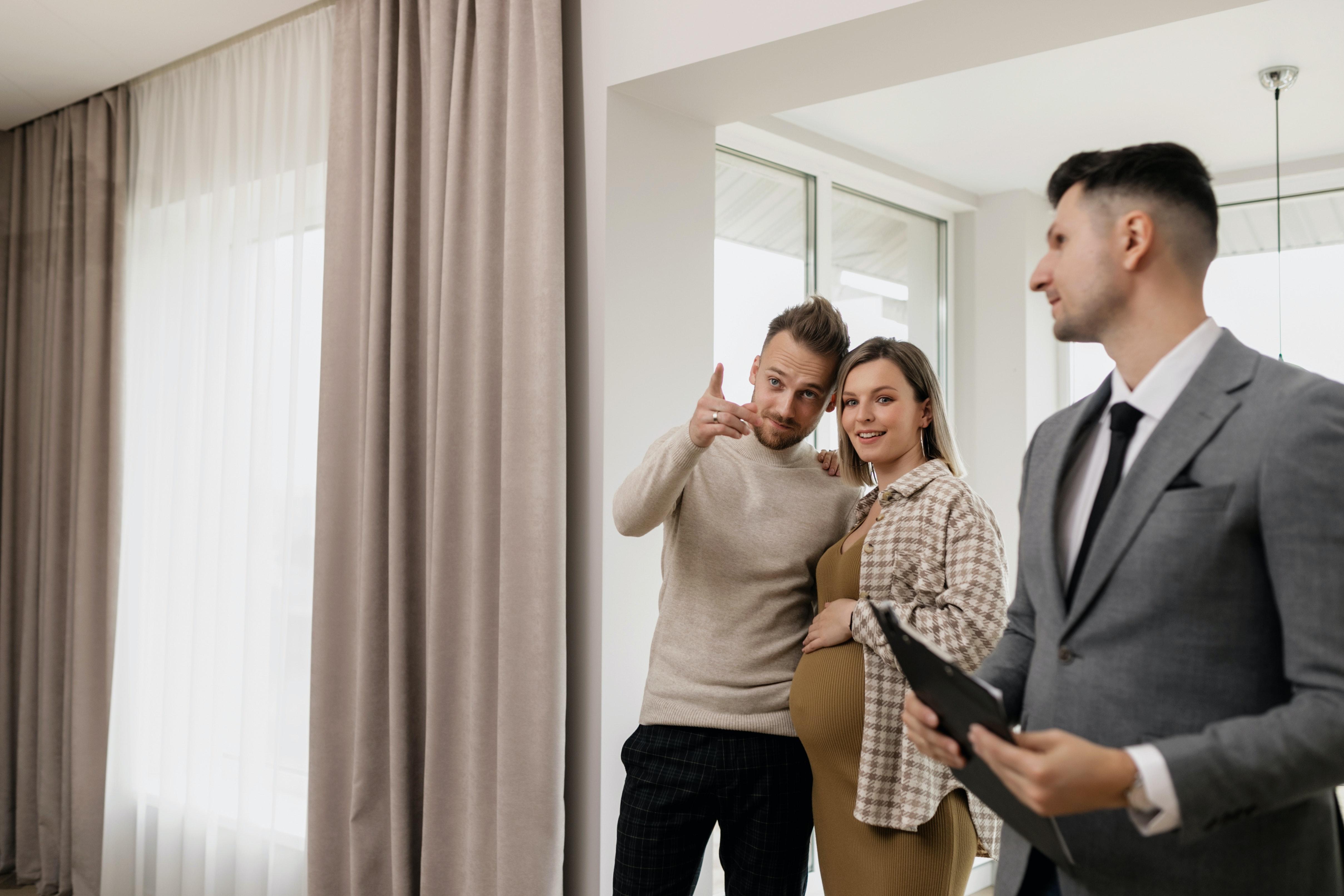Competências dos agentes imobiliários e dos advogados