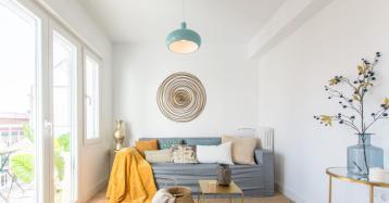 Um truque simples para atrair compradores: decorar a casa com móveis de cartão