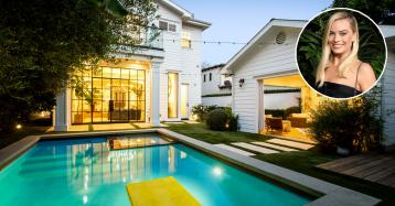 Atriz Margot Robbie põe mansão de luxo à venda em Los Angeles por 2,8 milhões