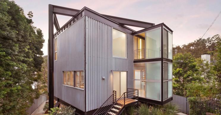 A Schwartz House do arquiteto Pierre Koenig na Califórnia está à venda por 3,6 milhões