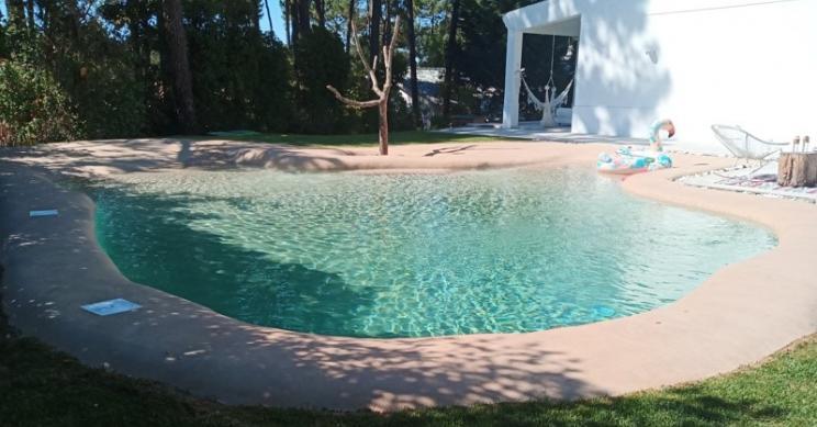 Piscinas de areia: uma praia paradisíaca no jardim de casa todo o ano