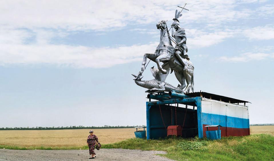 Paragem de autocarro... com cavaleiro incluído