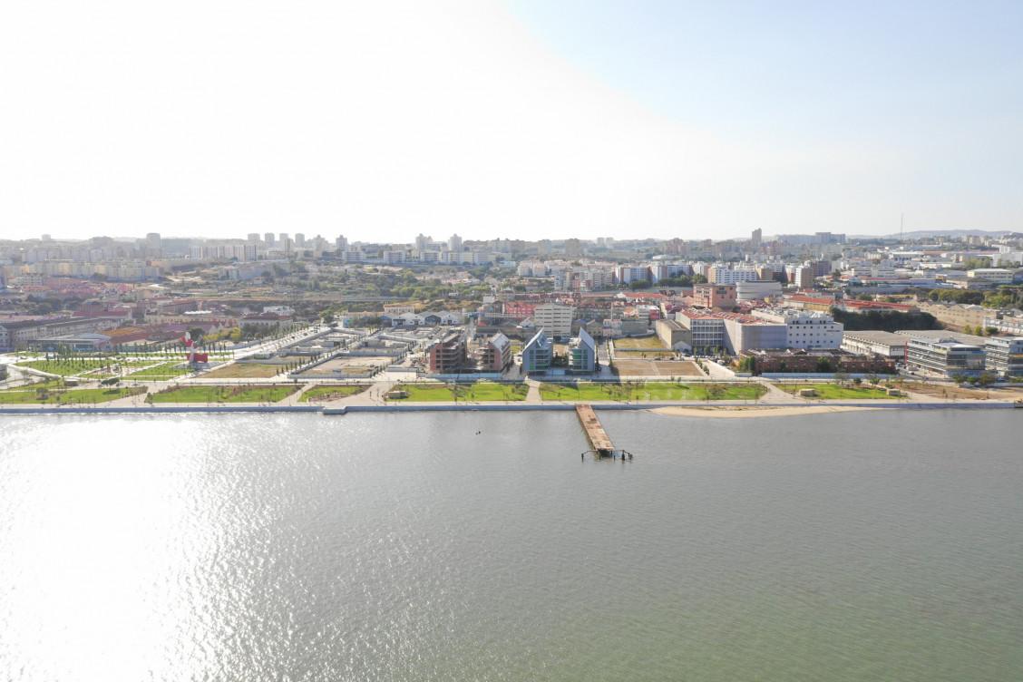 A vista do empreendimento, na zona ribeirinha / VIC Properties