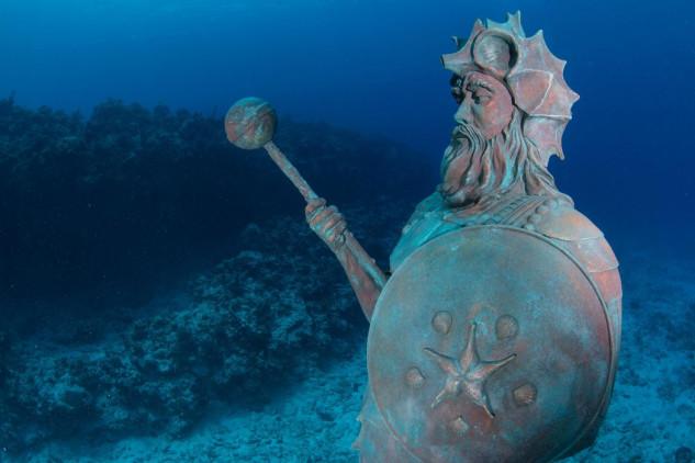 Estátua do Guardião do Arrecife no Grande Caimão  / CHRIS PARSONS / NAUTICAM