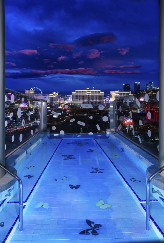A piscina também possui obras de Damien Hirst. (Foto: Palms Casino Resort)