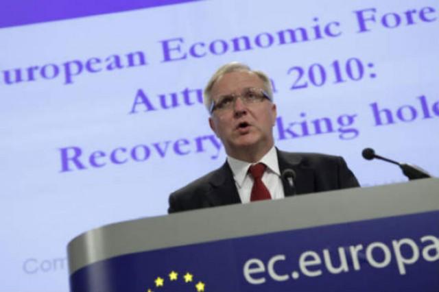 olli rehn, comissário europeu dos assuntos económicos, fala hoje em conferência de imprensa
