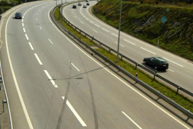 """estradas de portugal deverá enfrentar """"sérias dificuldades"""" em financiar-se em 2013"""