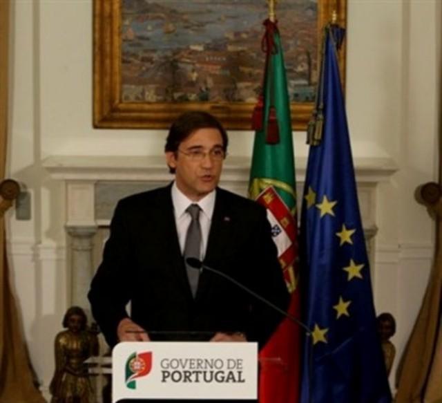 """pedro passos coelho garante que portugal vai cumpriri o programa da troika mas prevê """"reajustes"""" em novembro"""