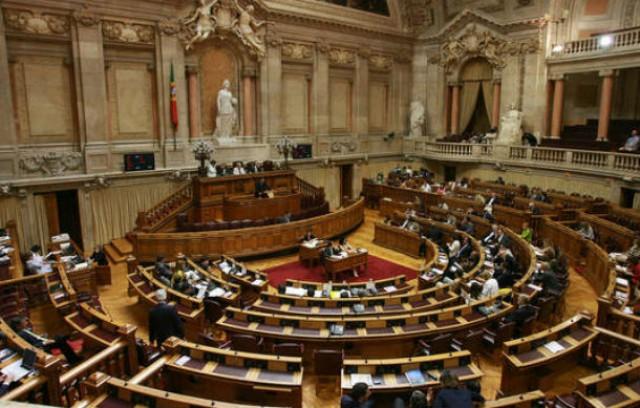 proposta governamental termina o seu processo legislativo no parlamento