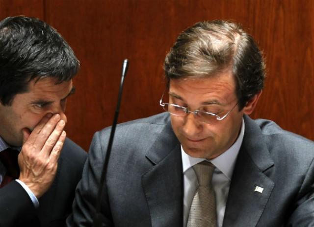 vítor gaspar e passos coelho marcaram presença no parlamento para a votação final do oe 2013