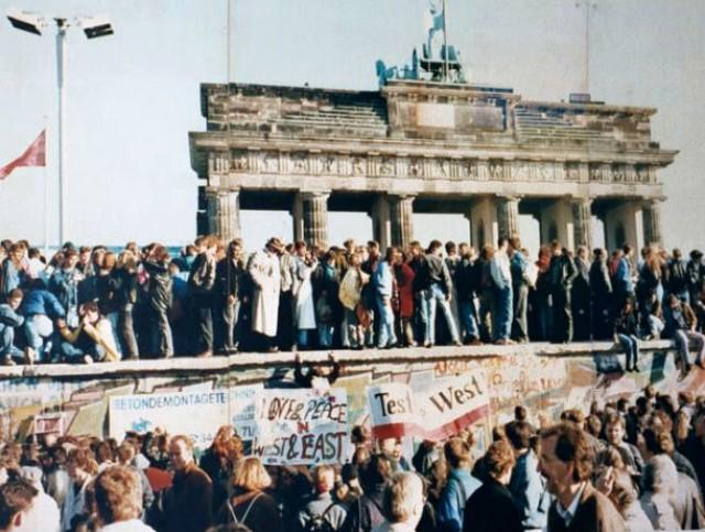 o muro de berlim dividiu a capital alemã durante 28 anos