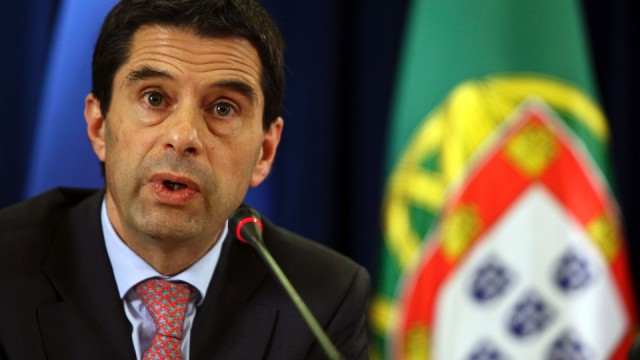 vítor gaspar diz que valor está 300 milhões de euros abaixo do acordado com a troika