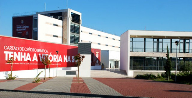 o caixa futebol campus começou a ser construído em 2004 e ficou concluído em meados de 2006
