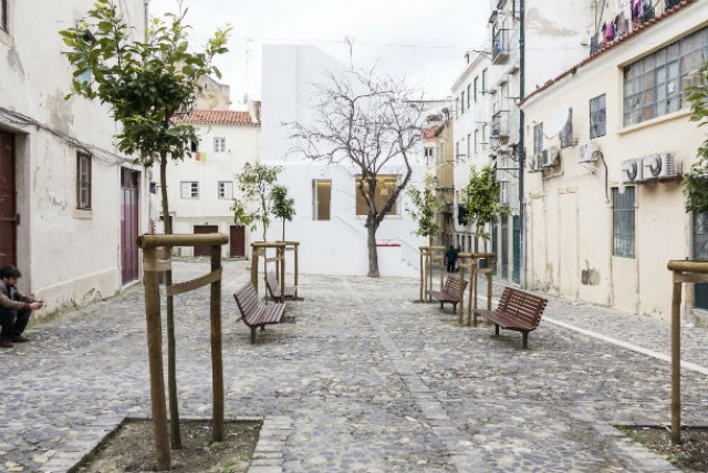 a casa da severa foi transformada num espaço de divulgação do fado e terá um café/restaurante (fotos: josé adrião arquitectos)