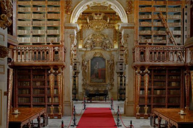 A Biblioteca Joanina, em Coimbra, lidera a lista