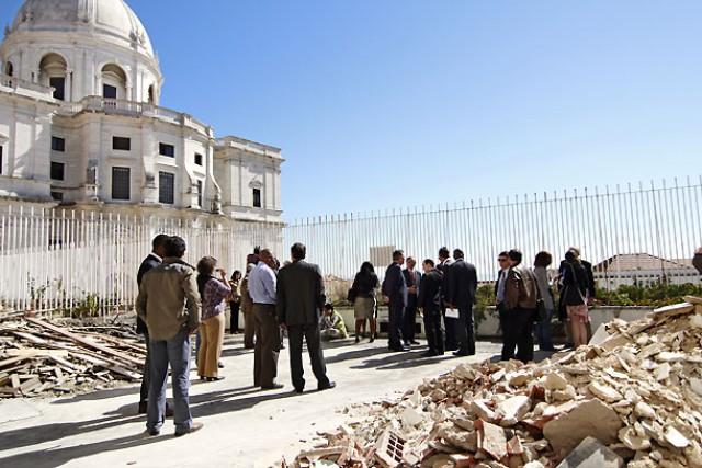 a comitiva durante a visita ao convento do desagravo