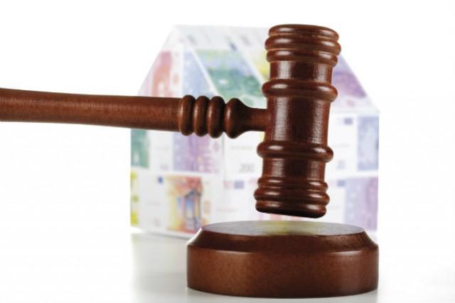 Muitos bancos tentam escoar as casas que têm em stock com a realização de leilões.