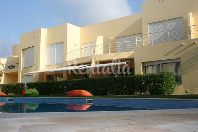 A casa está localizada em Vilamoura, no Algarve.