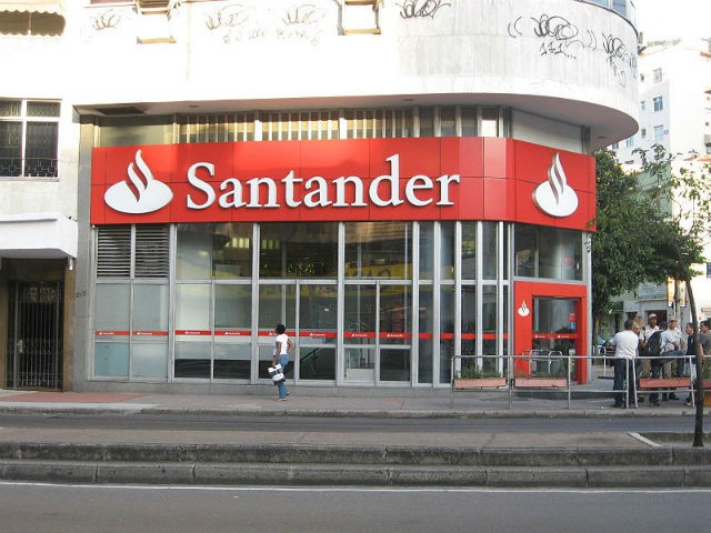 Santander agência bancária / Wikimedia commons