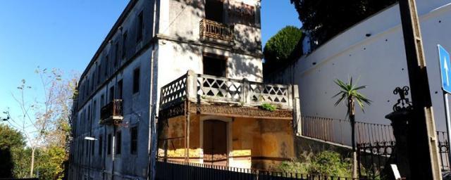 Edifício do antigo Hotel Netto está em ruínas (Foto: Câmara Municipal de Sintra).