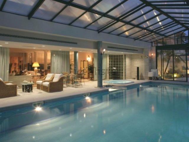 Esta espetacular mansão está localizada em Lisboa e custa 6.500.000 euros.